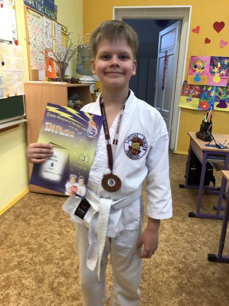 1b_apsveikums_2017_karate_2.jpg